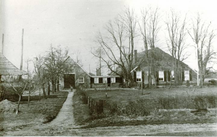 a. 1935. Het erve Wolterink, gelegen in het noordelijke cluster van gewaarde erven.
